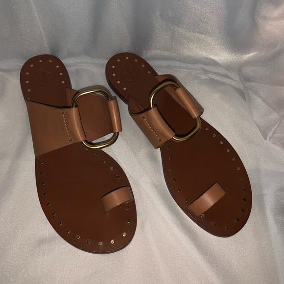 93073d944235f Tory Burch Brannan studded leather slide sandals. M 5bea3e4a2e1478166c025b6e